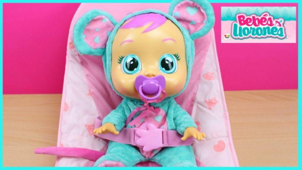 muñecos bebés que lloran